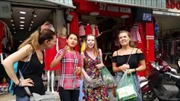 Trải nghiệm tour du lịch đi bộ miễn phí tham quan Hà Nội
