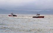 Tàu cá Quảng Bình bị hỏng máy, thả trôi trên biển