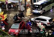 Triều cường vượt báo động 3, nhiều tuyến đường tại TP. Hồ Chí Minh ngập nặng