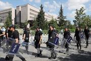 Chính quyền Thổ Nhĩ Kỳ tiếp tục bắt giữ nhiều binh sĩ liên quan vụ đảo chính hụt
