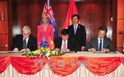 Phó Thủ tướng, Bộ trưởng Ngoại giao Phạm Bình Minh gặp Bộ trưởng Ngoại giao Australia