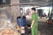 Lò tái chế nhớt 'lậu' cực lớn cung cấp cho các công ty dầu nhờn tại Long An