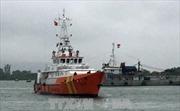 Cứu nạn thành công 12 ngư dân trên tàu cá bị hỏng máy trôi dạt trên biển