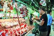 Nhộn nhịp thị trường giáng sinh tại TP Hồ Chí Minh