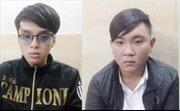 Kiểm tra hành chính hai thanh niên, phát hiện súng bút, dao và ma túy