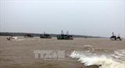 Phó Thủ tướng Trịnh Đình Dũng kiểm tra công tác phòng chống bão số 16 tại Sóc Trăng