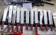 Ngoại ô TP Hồ Chí Minh phát hiện cả kho chứa đao kiếm, súng 'khủng'