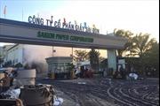 Cháy lớn tại kho giấy gây tai nạn kép