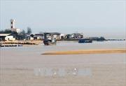 Cửa biển Đà Diễn tiếp tục bồi lấp, ngư dân Phú Yên gặp khó