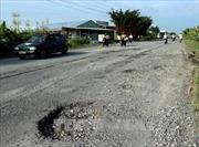 Nhiều tuyến đường ở Quảng Nam bị hư hỏng, xuống cấp