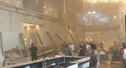 Hiện trường tan hoang vụ sập sàn chứng khoán Indonesia