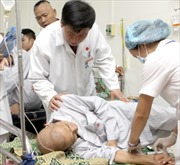 Bệnh nhân ung thư máu phải giảm liều điều trị chờ nhập khẩu thuốc Glivec