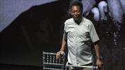 Huyền thoại bóng đá Pele đột quỵ