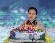Chủ tịch Quốc hội dự giao lưu nghệ thuật 'Xuân biên phòng ấm lòng dân bản'