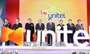 Thủ tướng Nguyễn Xuân Phúc và Thủ tướng Lào tới thăm Hãng viễn thông Star Telecom