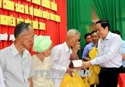 Chủ tịch Ủy ban Trung ương MTTQ Việt Nam tặng quà Tết cho người nghèo tại Cần Thơ