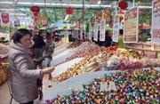 Bộ Y tế khuyến cáo người dân cẩn thận khi chọn bánh kẹo, thực phẩm dịp Tết