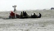 Cứu sống 13 ngư dân trên hai tàu cá bị chìm khi tránh bão