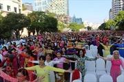 3.000 người tham gia đồng diễn với áo dài trên phố đi bộ Nguyễn Huệ