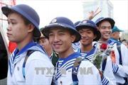 Thanh niên hăng hái lên đường nhập ngũ