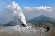 Nhật Bản: Núi lửa Shinmoe phun trào dữ dội