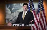 Chủ tịch Hạ viện thuyết phục Tổng thống Trump chọn cách áp thuế thận trọng hơn
