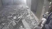 Khoảnh khắc kỳ diệu cứu sống bé gái sơ sinh bị vùi dưới đống đổ nát ở Đông Ghouta