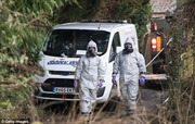 Truy tìm nữ nghi phạm đeo khẩu trang đen trong vụ hạ độc cựu điệp viên Nga