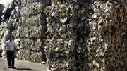 Mỹ hốt hoảng trước đòn trả đũa nhằm vào... rác của Trung Quốc