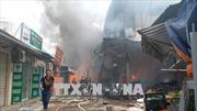 Hà Nội: Cháy lớn tại khu vực chợ Quang
