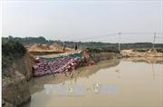 Lò gạch thủ công 'phá' công trình hồ chứa ở Kon Tum