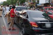 3 ô tô tông nhau, cửa ngõ sân bay Tân Sơn Nhất tắc đường cục bộ