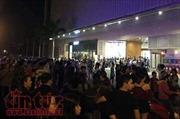 Chuông báo cháy Trung tâm thương mại Cresent Mall kêu vang, hàng trăm người tháo chạy