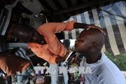 Cảnh báo nguy cơ nhiễm virus viêm gan B và HIV qua dụng cụ cắt tóc tại Nam Phi