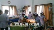 Đoàn xe chở cựu Việt kiều tại Thái Lan và Lào gặp nạn
