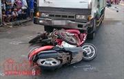 Xe tải đâm xe máy, 3 người trong một gia đình thương vong
