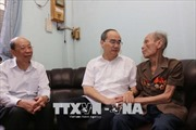 Bí thư Thành ủy Thành phố Hồ Chí Minh thăm và tặng quà người cao tuổi