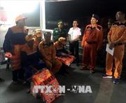 Kịp thời cứu nạn tàu cá cùng 7 ngư dân bị nạn