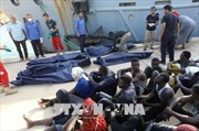Italy kiên quyết không tiếp nhận tàu cứu hộ người di cư gặp nạn