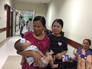 Nhiều trẻ sốt, viêm phổi đột ngột vì nắng nóng