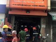 Cháy salon tóc trong chợ Nguyễn Thiện Thuật, nhiều tiểu thương hoảng hốt