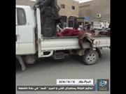 Khủng bố IS táo tợn diễu hành bêu xác phiến quân Syria đối địch