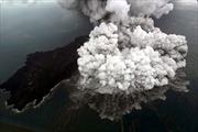 Video núi lửa Krakatau Con sôi sục, đe dọa cơn sóng thần mới tấn công Indonesia