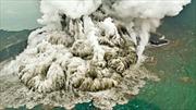 Núi lửa Indonesia có thể đổ sập gây thêm thảm họa sóng thần chết chóc