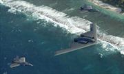 Dàn máy bay tàng hình Mỹ tập trận phá lưới phòng không trên Thái Bình Dương