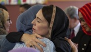 Đưa New Zealand vượt qua thời khắc đen tối, nữ Thủ tướng Ardern được cả thế giới ca ngợi
