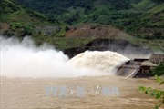 Gần 5 ngày tìm kiếm 2 người bị lật thuyền mất tích trên lòng hồ thủy điện Sơn La
