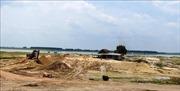 Tạm ngưng cấp phép khai thác cát trong khu vực hồ Dầu Tiếng