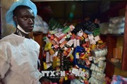 Thuốc giả cướp đi mạng sống của hàng chục nghìn người châu Phi mỗi năm