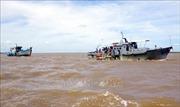Kịp thời cứu hộ 15 ngư dân gặp nạn trên biển